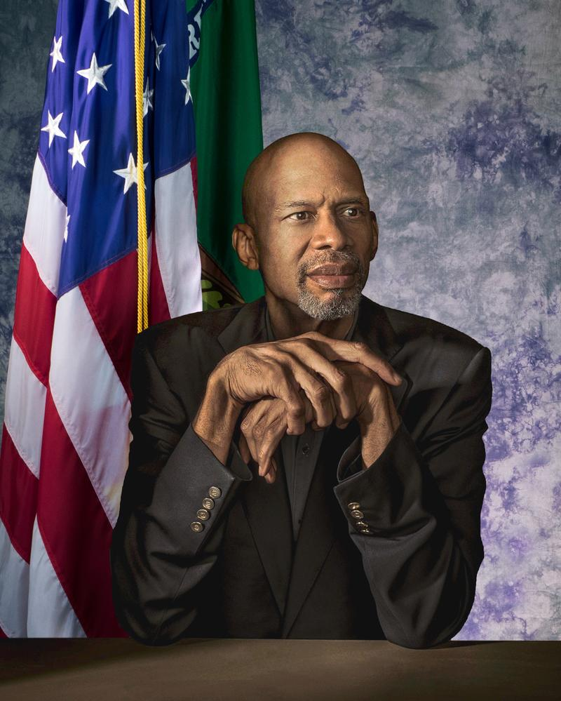 Is there anything kareem abdul-jabbar can't do?